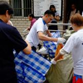 回收巨龙 | 瞧,有一群绿色卫士正在社区做回收呢!